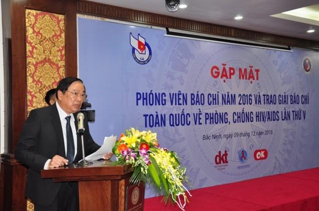 Nhà báo Mai Đức Lộc, Phó Chủ tịch Hội Nhà báo Việt Nam phát biểu khai mạc