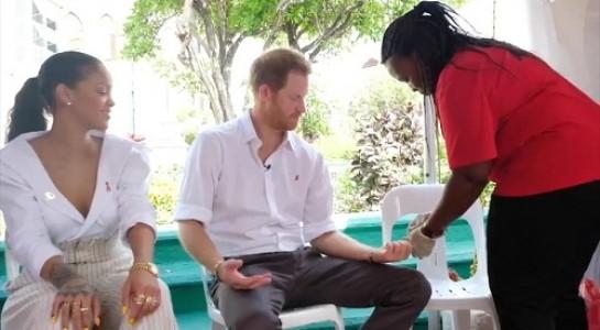 Hoàng tử Harry và ca sĩ Rihanna làm xét nghiệm HIV tại Barbados