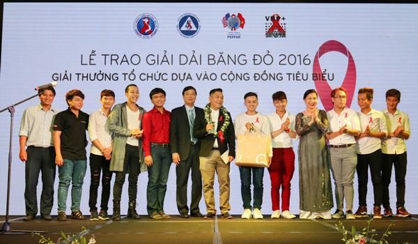 """Nhóm G3VN (TPHCM), nhận giải """"Tổ chức dựa vào cộng đồng tiêu biểu"""""""